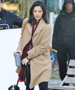 olivia-munn-the-predator-casey-bracket-coat
