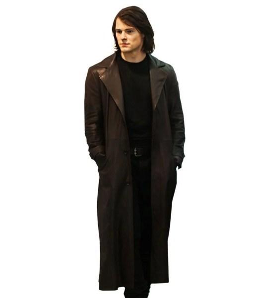 danila-kozlovsky-vampire-academy-coat