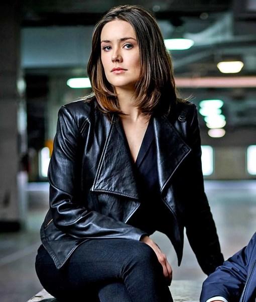 elizabeth-keen-leather-jacket