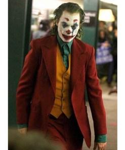 origins-joaquin-phoenix-joker-coat