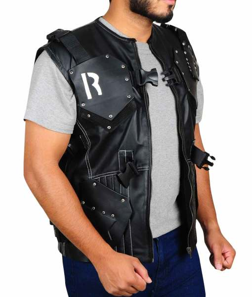 dwayne-johnson-gi-joe-retaliation-vest