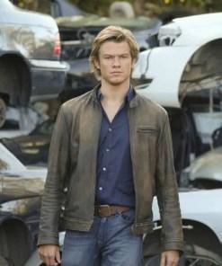 lucas-till-tv-macgyver-leather-jacket