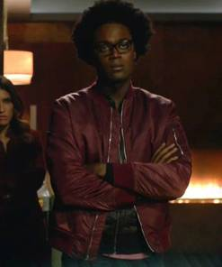 echo-kellum-arrow-curtis-holt-red-jacket