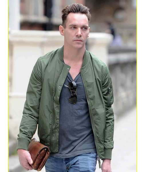 jonathan-rhys-meyers-green-jacket