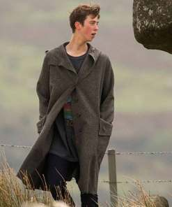 the-kid-who-would-be-king-young-merlin-coat
