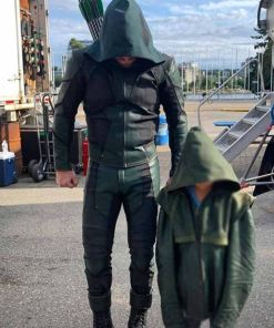 season-08-green-arrow-jacket-with-hood