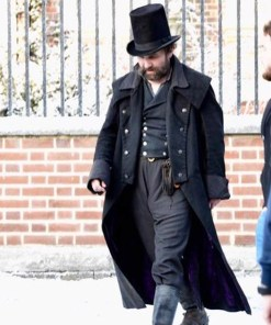 tom-hardy-a-christmas-carol-coat