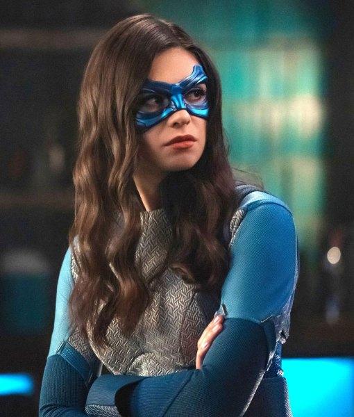 nicole-maines-supergirl-jacket