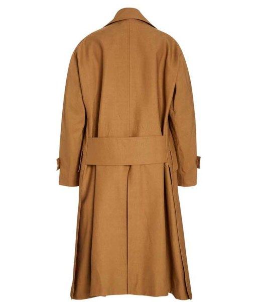 nathalie-kelley-the-baker-and-the-beauty-noa-hamilton-coat