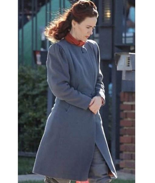 sarah-paulson-ratched-coat