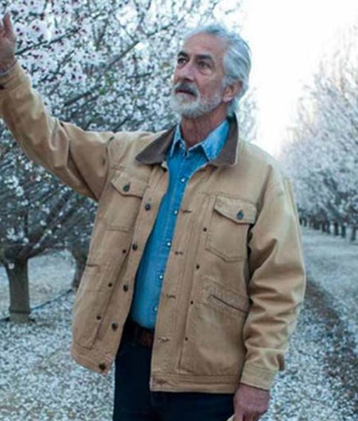 the-devil-has-a-name-david-strathairn-jacket