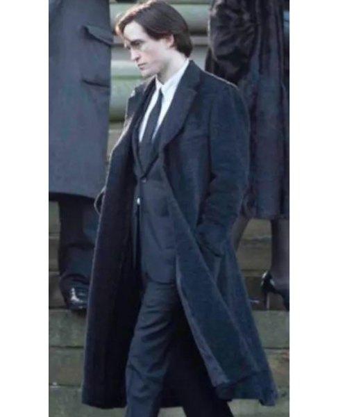 robert-pattinson-the-batman-bruce-wayne-coat
