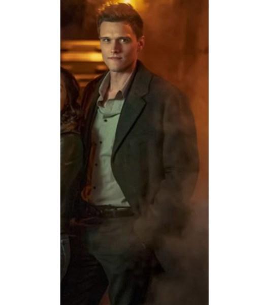 the-flash-season-06-hartley-sawyer-coat