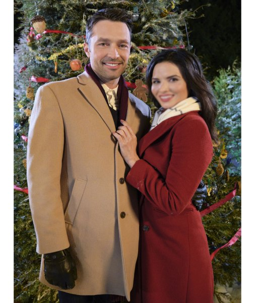 carlo-marks-christmas-with-the-darlings-coat