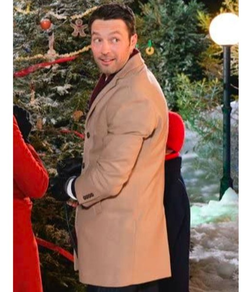 carlo-marks-christmas-with-the-darlings-wool-coat