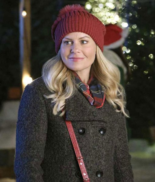 if-i-only-had-christmas-candace-cameron-bure-coat
