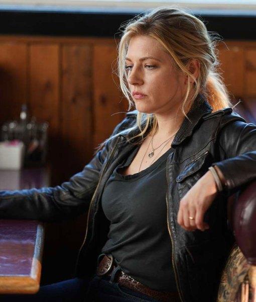 katheryn-winnick-leather-jacket