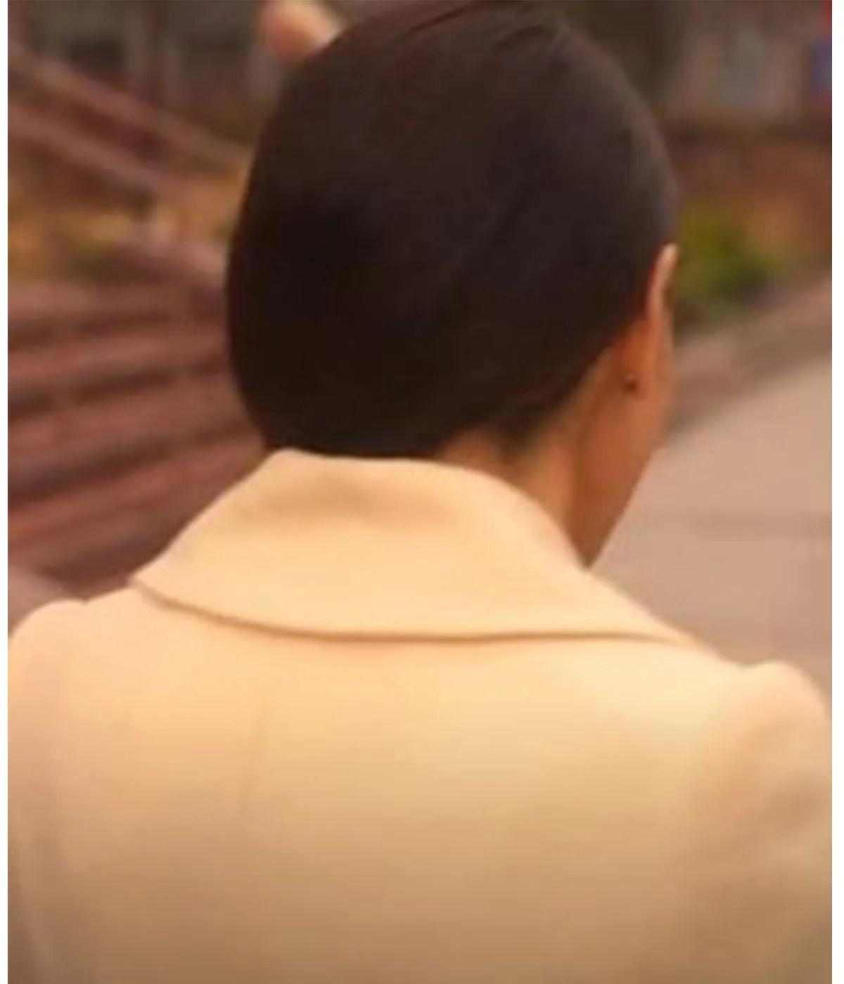 billie-connelly-sex-life-sarah-shahi-coat