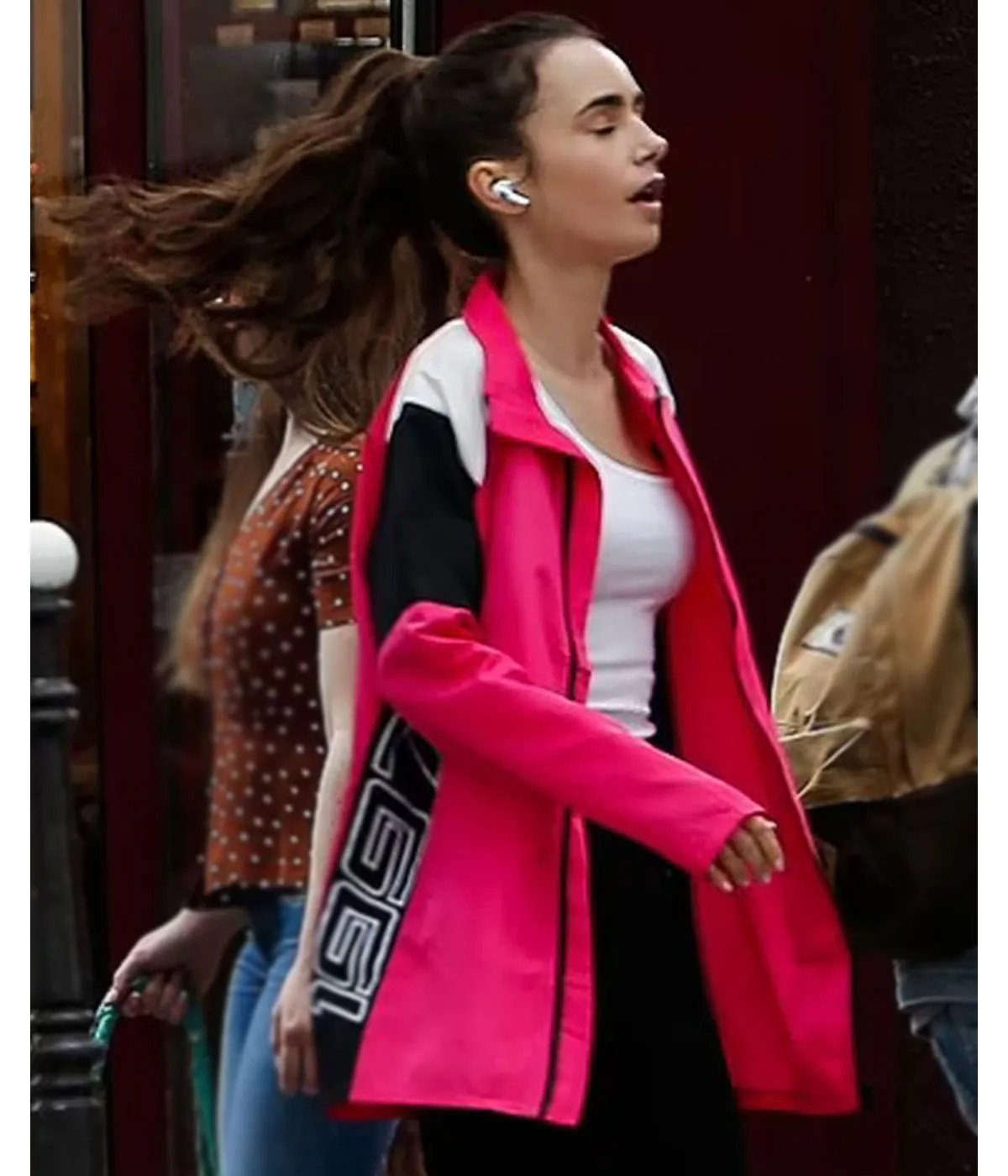 lily-collins-emily-in-paris-petite-cooper-1997-pink-jacket