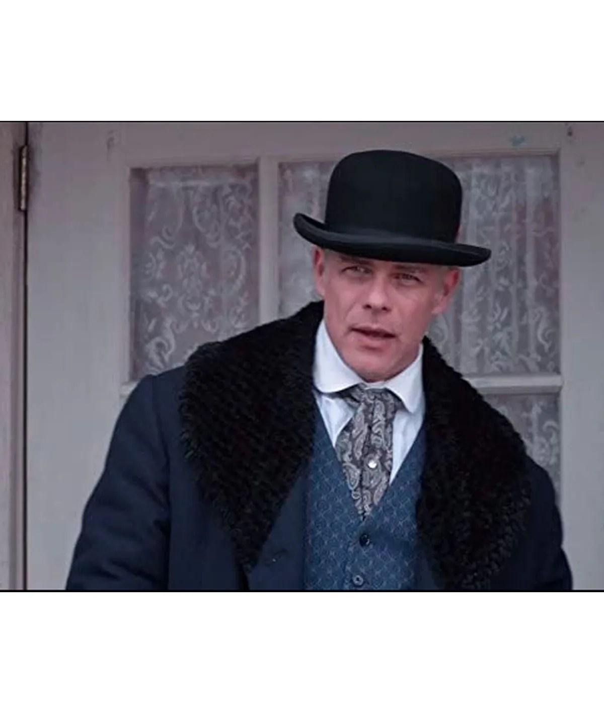 martin-cummins-when-calls-the-heart-henry-gowen-coat