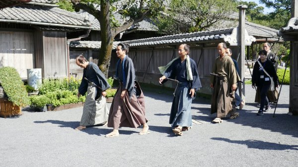 Japanese actors in traditional costumes
