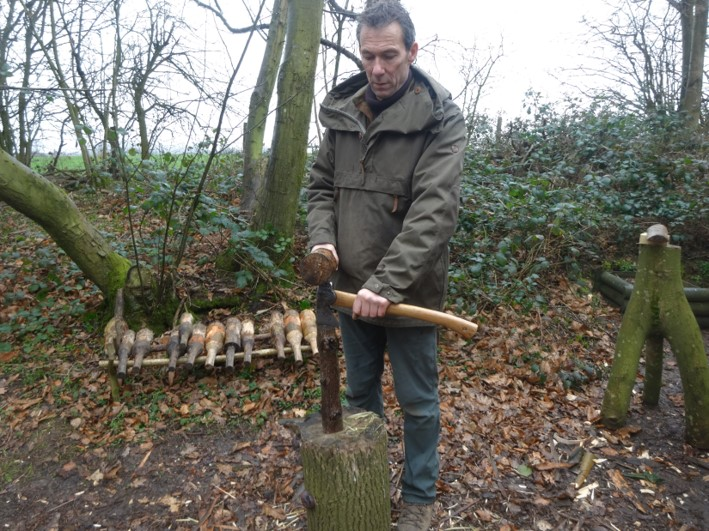 splitting with an axe | axe course | Kent | London | south east