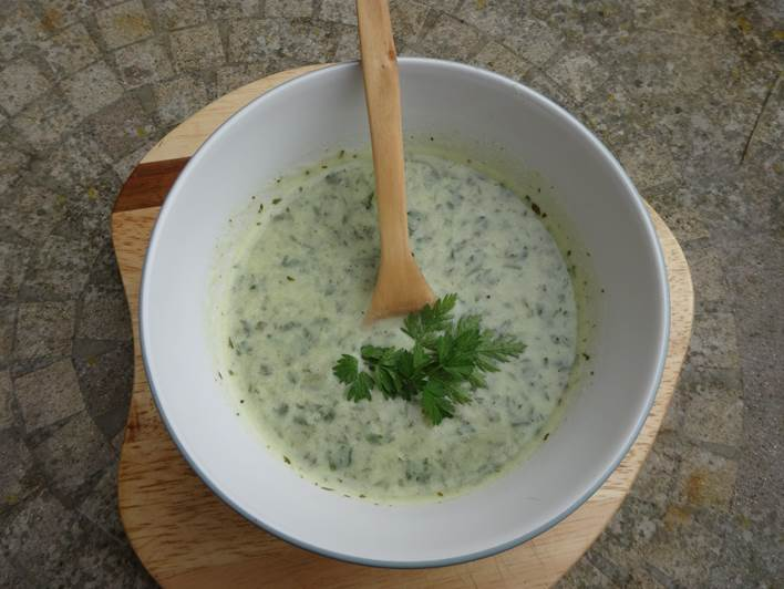 Cream of cow parsley soup