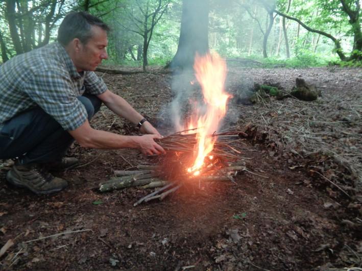 how to light a fire | bushcraft | Kent | south east | London