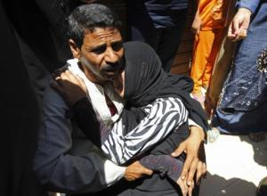 Relatives and families of members of the Muslim Brotherhood and supporters of ousted Egyptian President Mohamed Mursi react outside a court in Minya, south of Cairo Source: Reuters.com