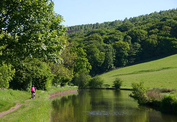 Leeds-Liverpool canal near Kildwick in Airedale