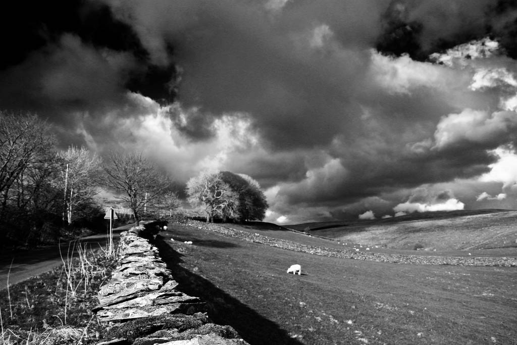 APR Storm clouds Stainforth