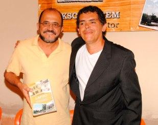 Jackson-Rubem-e-o-então-deputado-federal-João-Almeida-presente-no-lançamento-de-LAPÃO-CEM-ANOS-DE-HISTÓRIA---Foto-54