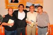 Jackson Rubem ladeado por Mudesto, deputado Reinaldo Braga e Valdemar Carvalho, no lançamento do livro Lapão, Cem Anos de História.