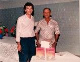 Jackson Rubem e seu pai Alvino Abade no lançamento do livro Irecê-História, Casos e Lendas