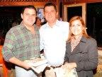Ricardo Rodrigues (atual prefeito de Lapão), Iara Machado e o deputado federal João Carlos Bacelar, presentes no lançamento do livro Lapão, Cem Anos de História, de Jackson Rubem.