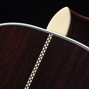 FenderParamount-feature-2-wood-desktop