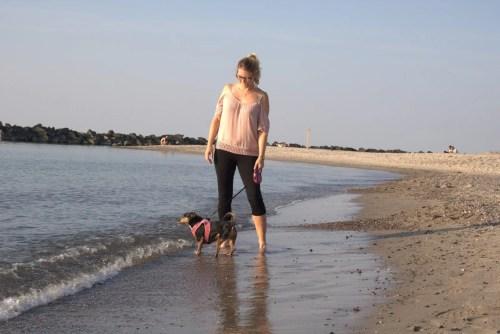 Jacky und Hund an der Ostsee