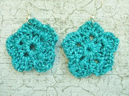metallic bright blue flower earring