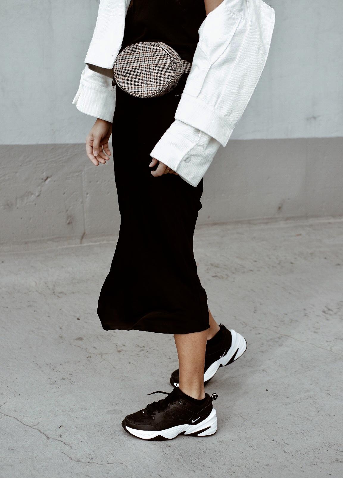 d5cc3698a44347 perfekte schwarze sneaker nike tekno jacqueline isabelle 1