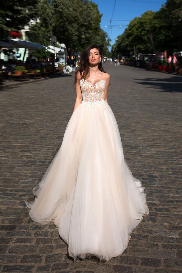 Exclusive Wedding Dresses And Evening Gowns For Lexington And The