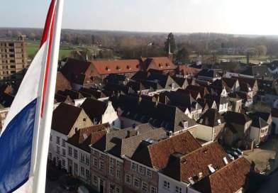 Gelderlander: Burgemeester Terneuzen gaat Grave helpen.