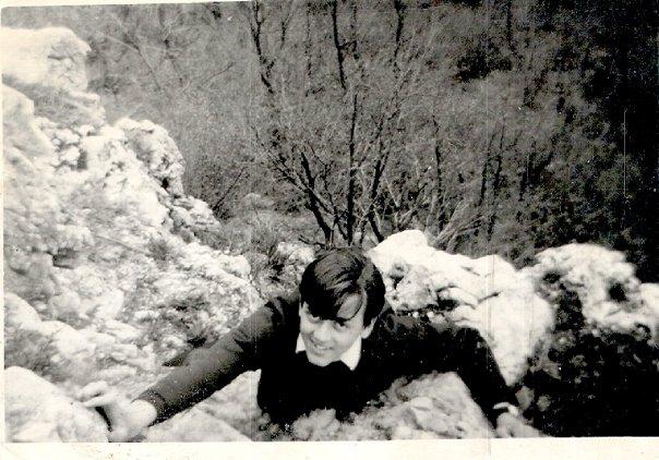 """La passione per la montagna e per la """"scalata"""" l'ho avuta fin da piccolo. Qui sono a Bedero Valcuvia (Varese) il 25 aprile 1969 dc, a 14 anni e mezzo."""