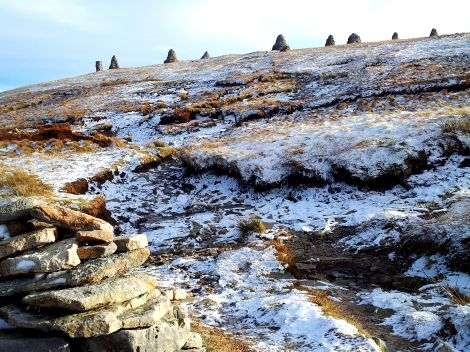 Small cairn on the path to 9 Standard Rigg