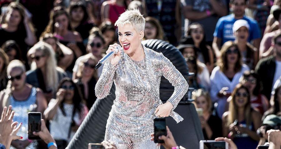 Katy Perry fará meet and greet grátis no Brasil! Saiba mais aqui