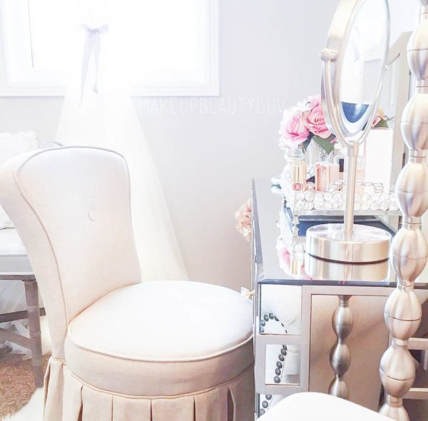 10 Most Pretty & Inspirational Bedroom Must Haves-1-24