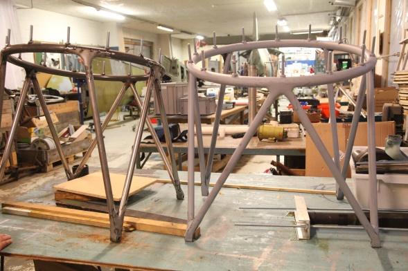 Rasmus Svihus og Richard Heng har bygget motorbukker