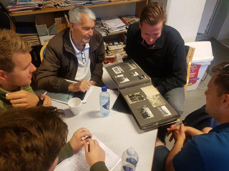 Michael Boxill hadde tatt med seg både fotoalbum, loggbok og en rekke avisutklipp. Ved dagens slutt ble materialet overlatt museet for digitalisering og innlemmelse i minnebanken.