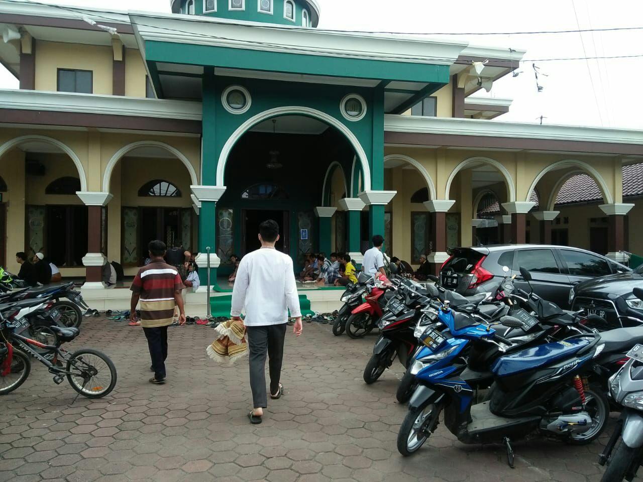 Masjid di Cipondoh
