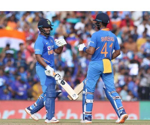 Ind vs WI 1st ODI LIVE: Shreyas Iyer and Rishabh Pant
