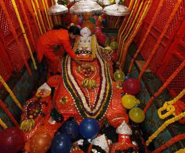 इलाहाबाद के इस मंदिर में लेटे हुए हैं हनुमान जी